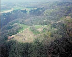 Foto aerea del parco archeologico di Castelseprio