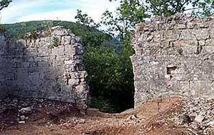 attuali ruderi di Monte di Croce